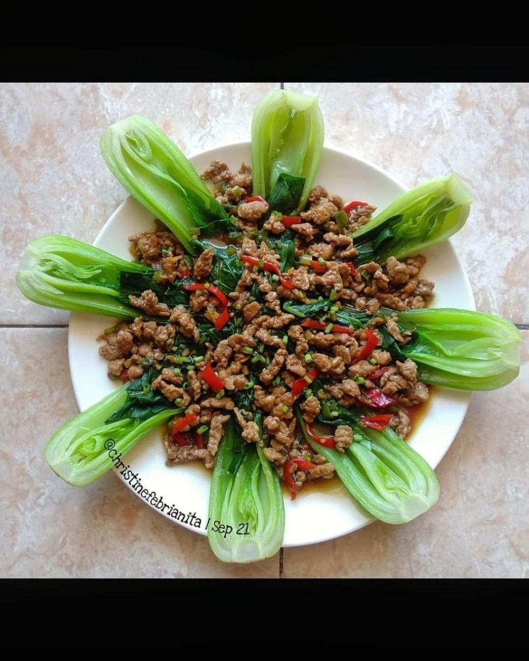 Info kuliner, Pokcoy Siram Daging  Ayo lunch dulu, biar tetep semangat kerja   Bahan : 250gr baby pokcoy, bel…