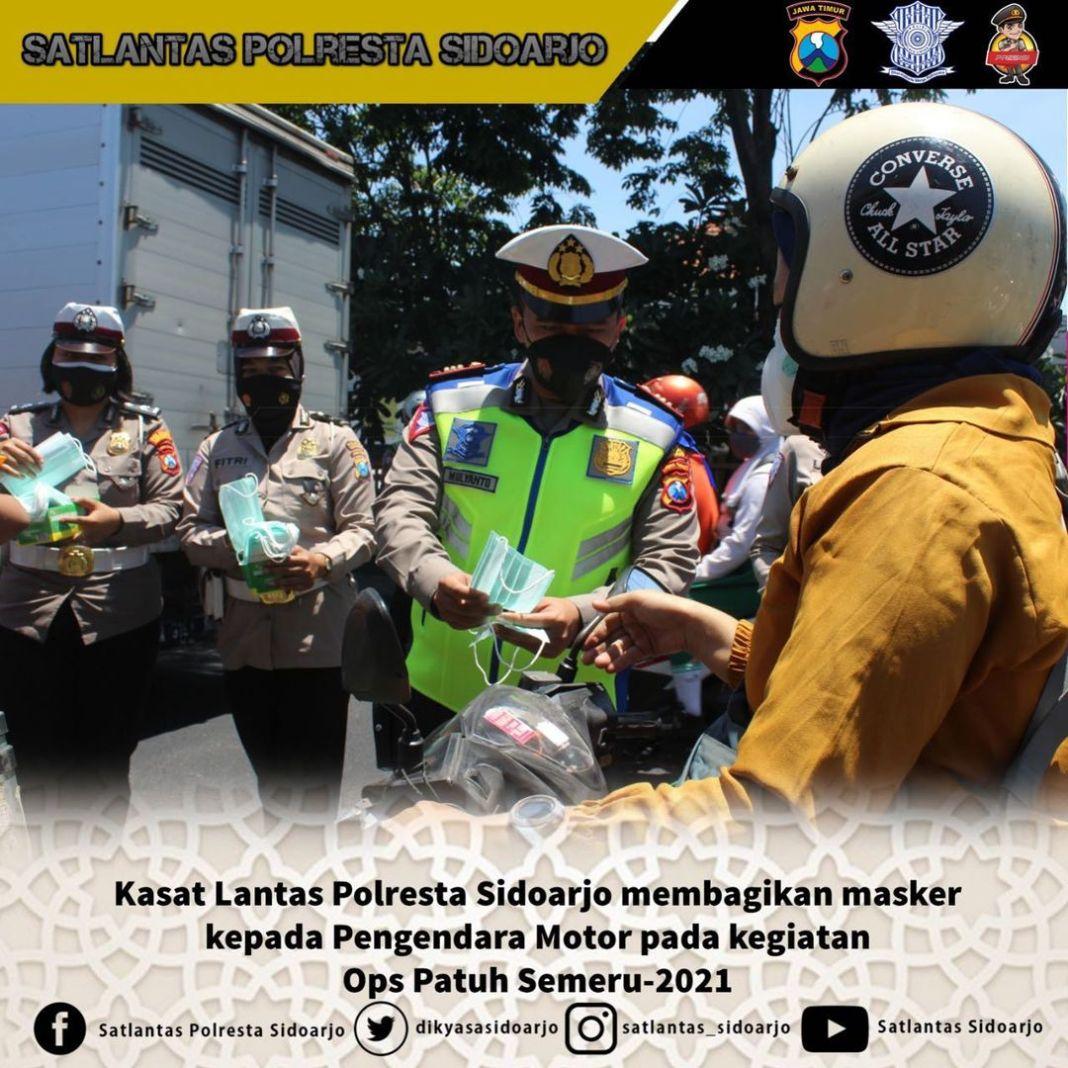 Operasi Patuh Semeru -2021  Dalam rangka operasi Patuh Semeru – 2021 Kasat Lantas Polresta Sido…