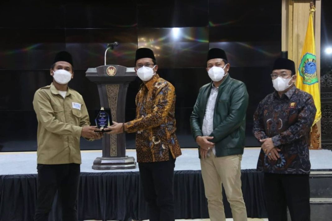 Bupati Sidoarjo H. Ahmad Muhdlor (Gus Muhdlor) melantik Dewan Pemuda Indonesia Pemuda Sidoarjo….
