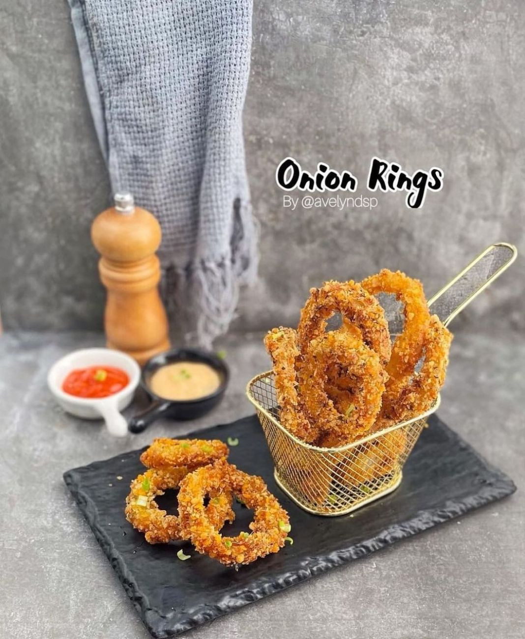 Info kuliner, Bikin onion rings ini gampang-gampang susah disebabkan biasanya kalo udah dingin udah ngga kriuk la…