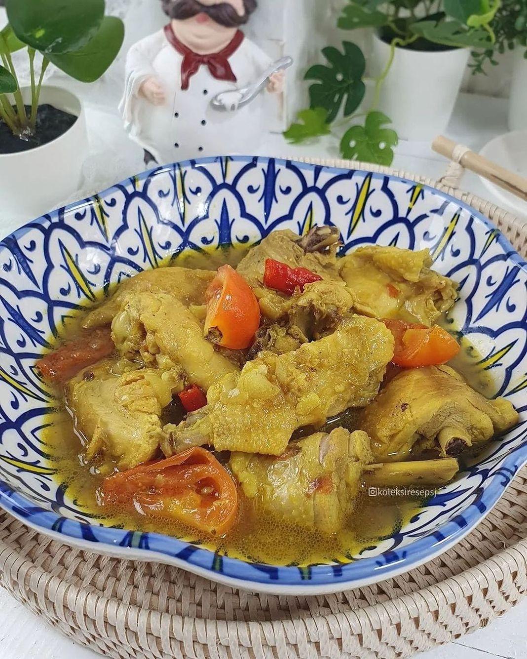Info kuliner, met pagi momsss!!! siapa suka ayam kuah kuning kaya giniii???  AYAM KUAH KUNING By @koleksirese…