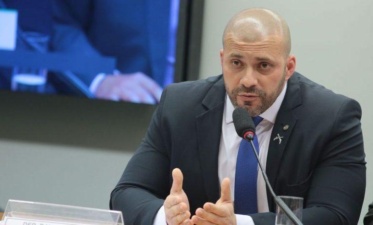 Relator pede suspensão do mandato de Daniel Silveira por seis meses