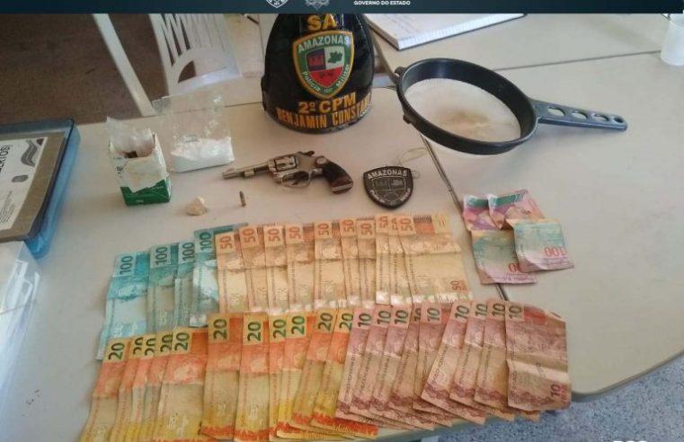PM-AM detém homem e mulher e apreende revólver, drogas e dinheiro em Benjamin Constant