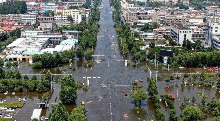 Sobe para 71 o número de mortos em inundações na China