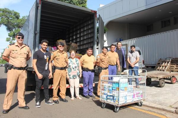 """2ºBPM: Realiza entrega da primeira remessa de doações da campanha """" Abrace vidas"""" Em Prol do Hospital do Câncer de Londrina"""