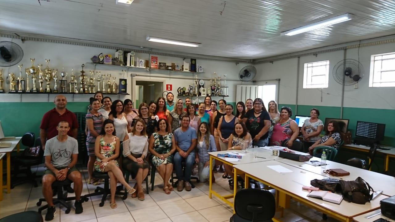 NRE de Jacarezinho realiza ações que garantem aulas para todos estudantes