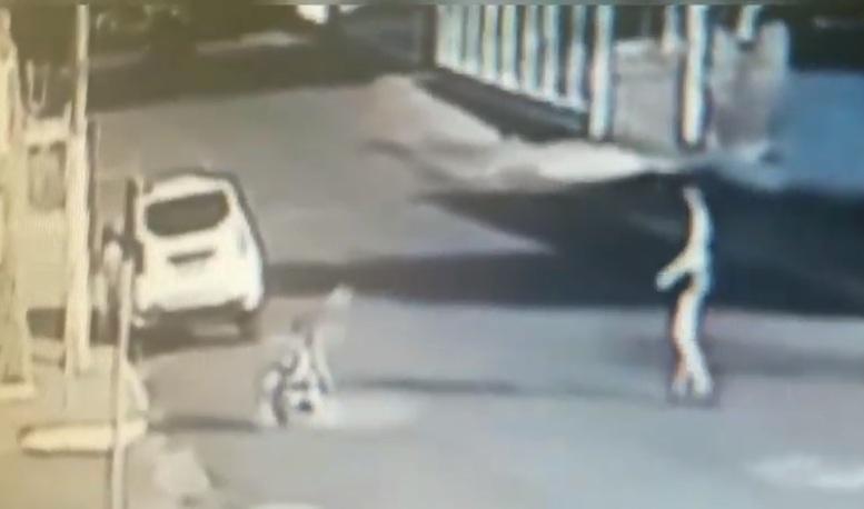 Mulher agride bebê e é detida pela polícia