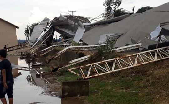 Famílias têm casas atingidas e ficam desabrigadas após temporal no Norte Pioneiro