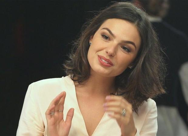 """Cauã exige não trabalhar com Isis, e atriz se surpreende: """"Não esperava"""""""