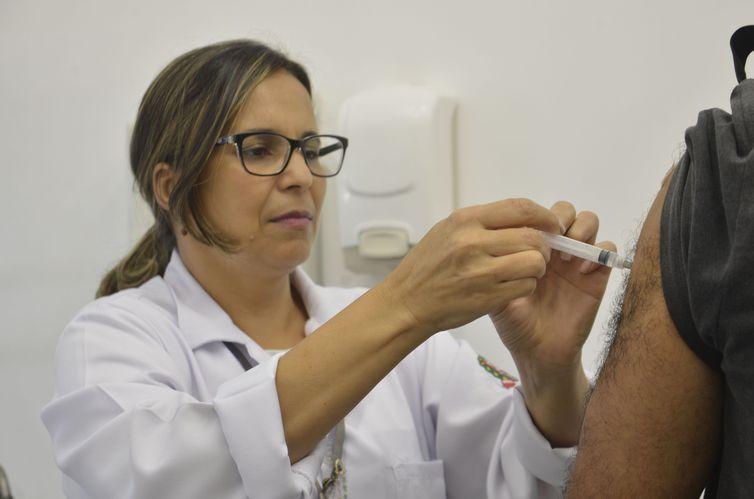 Vacinação contra a gripe começa nesta quarta-feira em todo o país