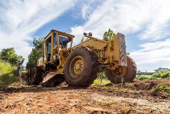 Prefeitura inicia trabalho de recuperação de estradas rurais em todo município