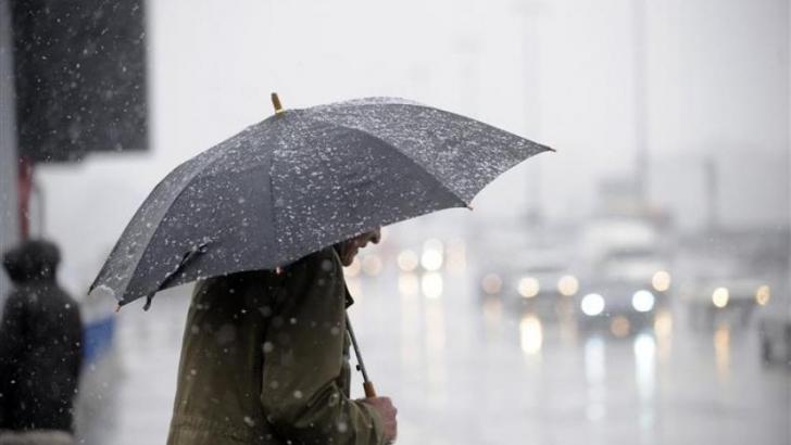 Ventos e chuvas intensas devem chegar ao Paraná
