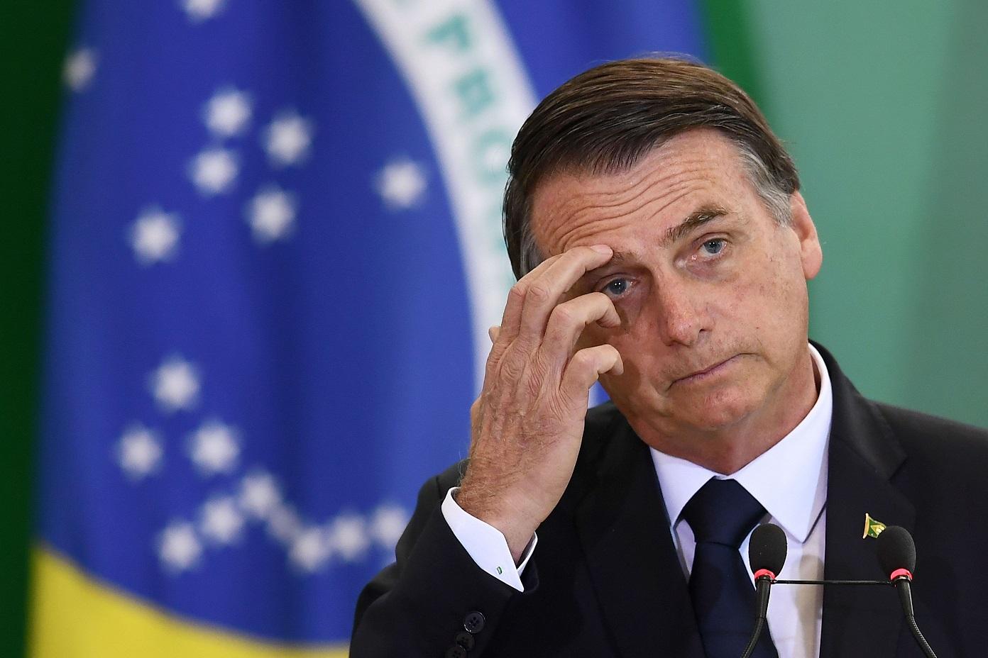 Bolsonaro publica novo Decreto de Armas 'para sanar erros' e retirar acesso a fuzis