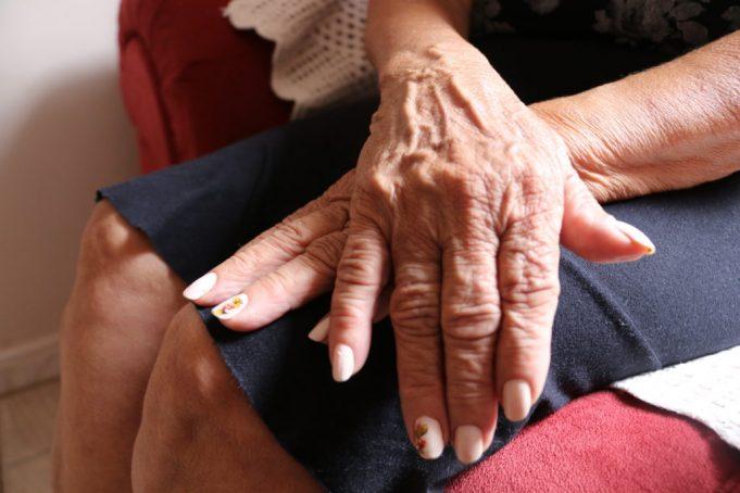 Idosa de 77 anos denuncia o próprio neto por abuso sexual