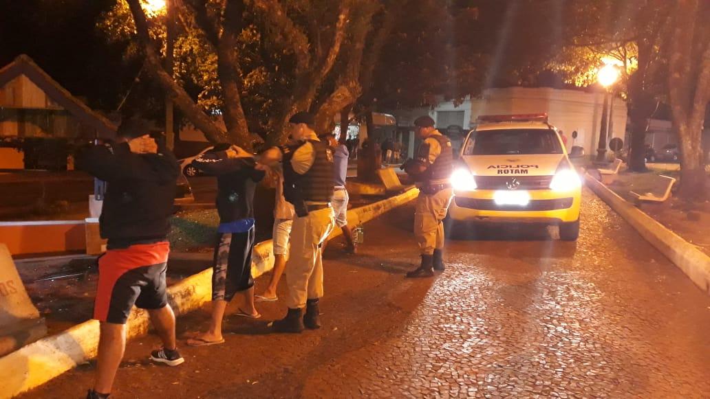 """2º BPM: """" Operação condomínio"""" Em Ribeirão Claro, Pinhalão e Siqueira Campos"""