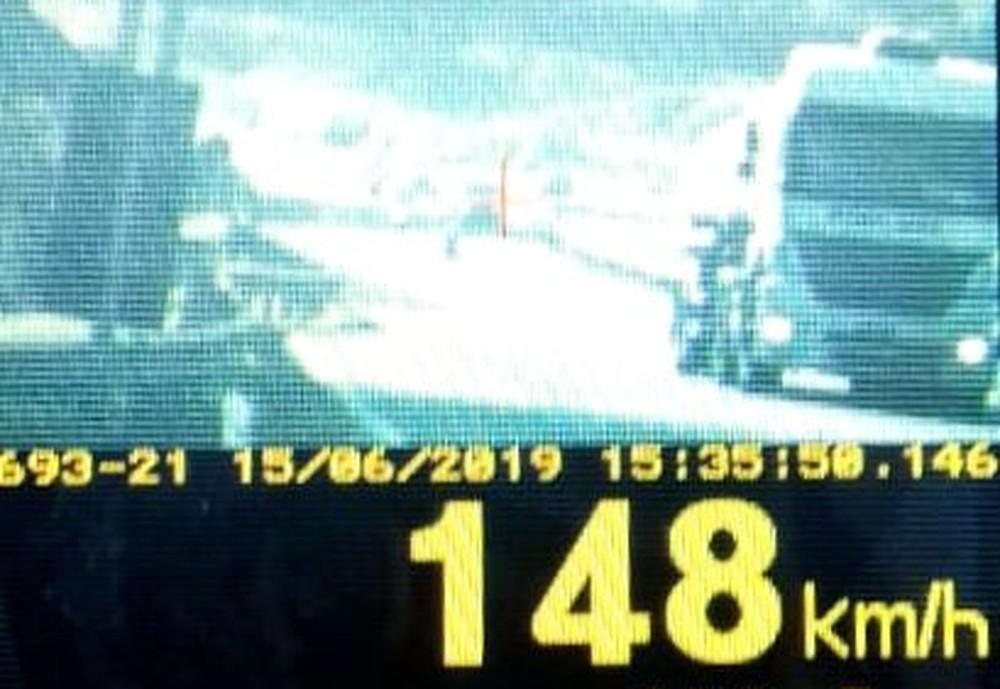 Caminhão é flagrado a 148 km/h em avenida de Ponta Grossa