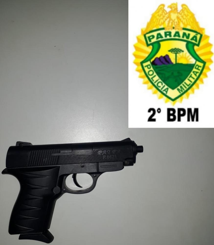 PM apreende réplica de pistola após denúncia anônima
