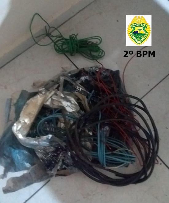 Cachorra Beka da Polícia Militar encontra suspeito de roubo de fios em Jacarezinho
