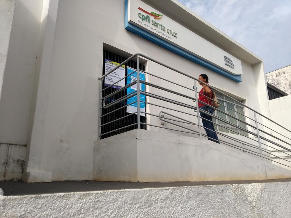 Jacarezinho: Clientes reclamam do fechamento do escritório da CPFL