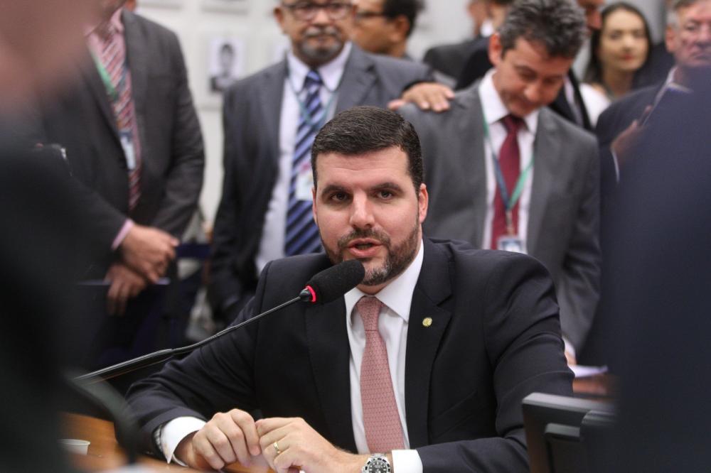 Lupion comemora aprovação no Senado de criação da área de interesse turístico de Angra Doce