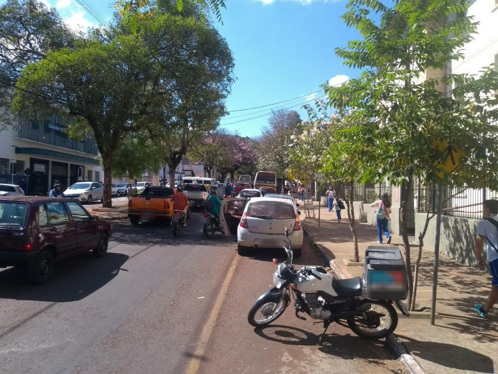 Com municipalização do trânsito, fiscais poderão autuar infratores