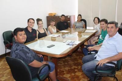 Jacarezinho: Vereadores Mirins reúnem com Secretário de Agricultura