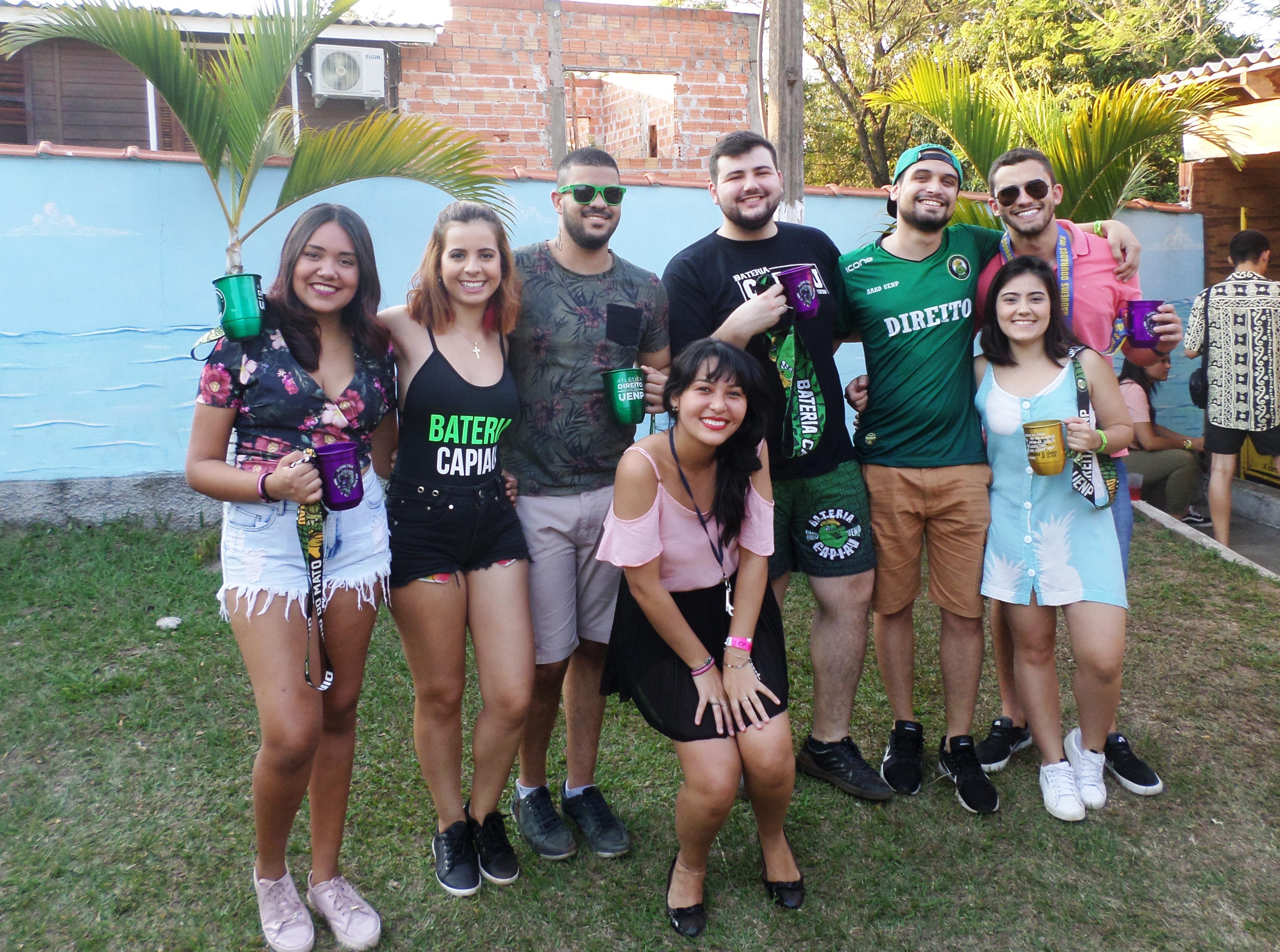 """Confiram as fotos do evento Volta ao Mundo realizado pelos acadêmicos """"Direito UENP Jacarezinho"""""""