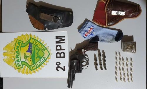 Jacarezinho: Revólver de calibre 32, munições e drogas são apreendidos pela Polícia Militar
