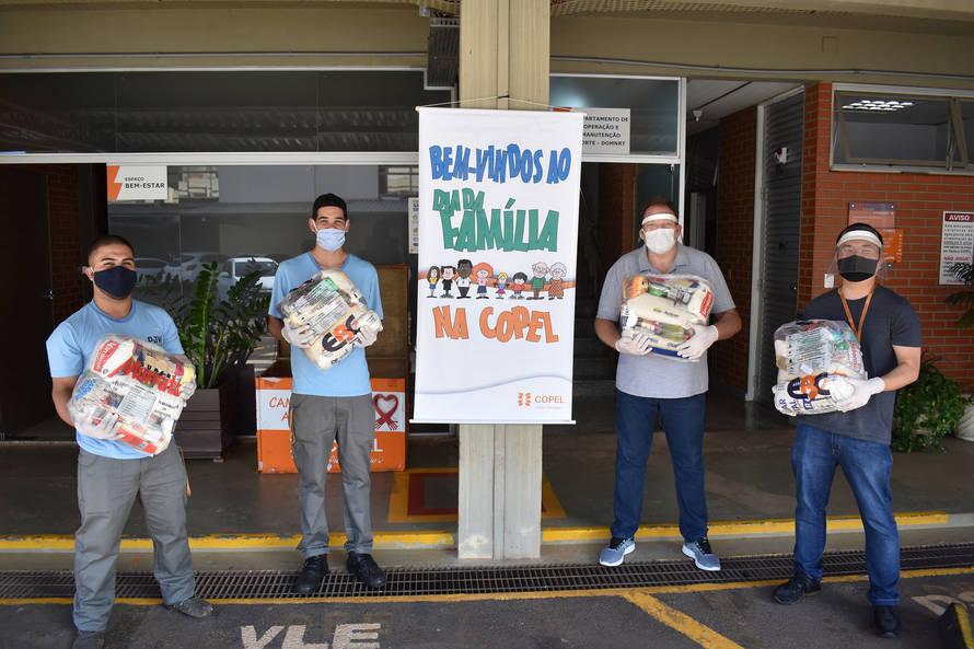 Paraná: Voluntários da Copel doam mais 685 cestas básicas