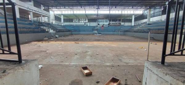 Jacarezinho: Prefeitura inicia limpeza e organização do Ginásio de Esportes
