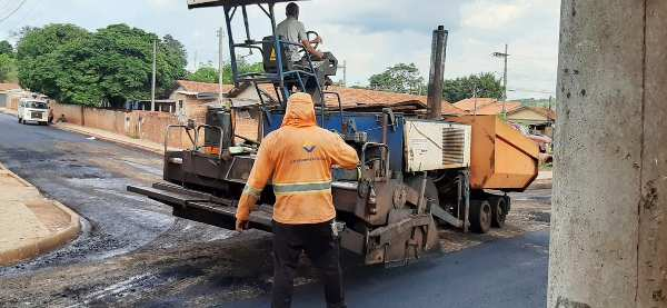 Jacarezinho: Prefeitura deve finalizar pavimentação do Nossa Senhora das Graças em 60 dias