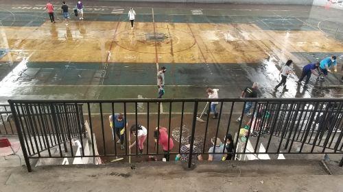 Jacarezinho: Prefeitura segue com limpeza do Ginásio de Esportes