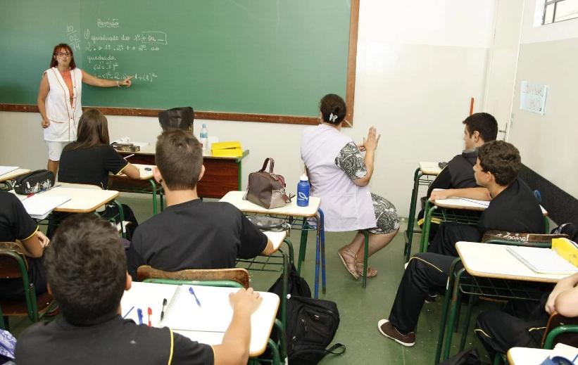 Mesmo com pandemia, Paraná terá prova presencial para 40 mil professores domingo