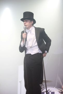 The Hives011