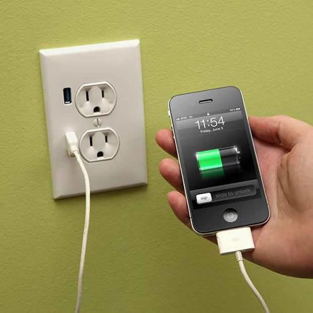 Tomada com USB