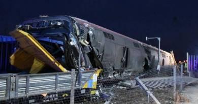 Trem de alta velocidade descarrila na Itália e deixa pelo menos 2 mortos