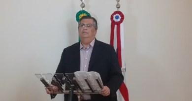 Flávio Dino estende suspensão de aulas e fechamento do comércio