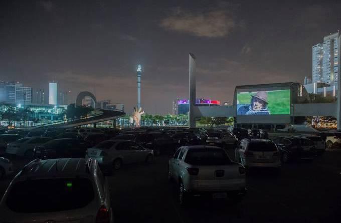 Cinemas drive in injetam novo fôlego nas bilheterias brasileiras