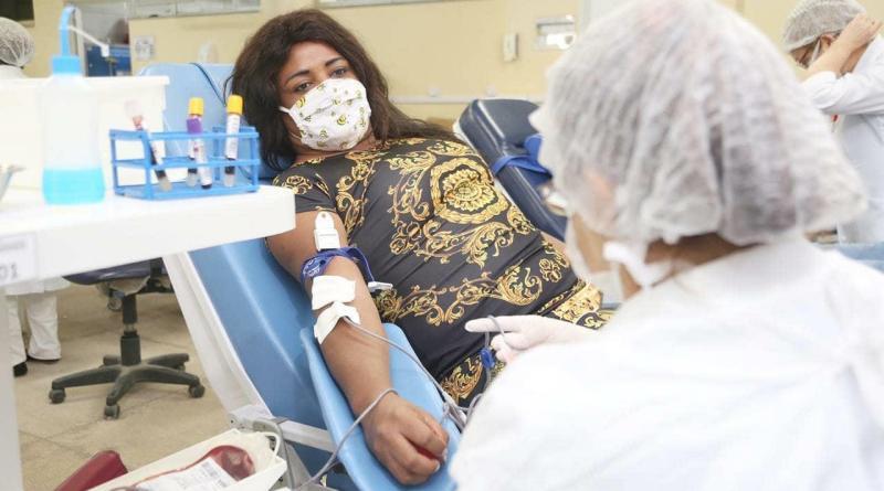 Gays doam sangue pela primeira vez no Maranhão