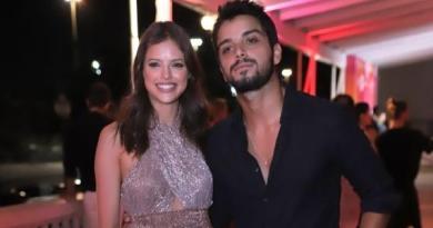 """""""A gente já tinha intimidade"""", diz Rodrigo Simas sobre namoro com Agatha"""