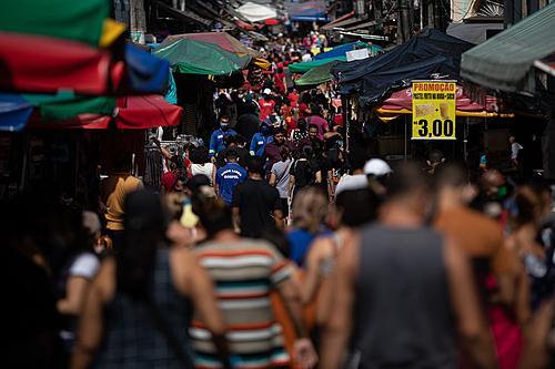 Estudo mostra que 102 pessoas diferentes trouxeram o coronavírus ao Brasil