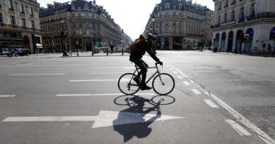 França tornará uso de máscaras obrigatório em Paris