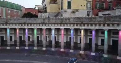 Ópera ao ar livre em Nápoles