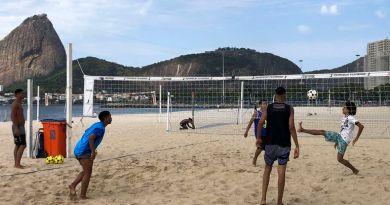 Rio tem 165.495 casos de Covid 19, 13.477 óbitos e praias liberadas   ViDA & Ação