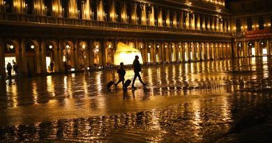 Turistas voltaram a Veneza com a cidade a meio gás