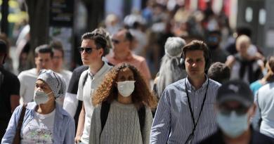 Uso de máscara não convence os britânicos