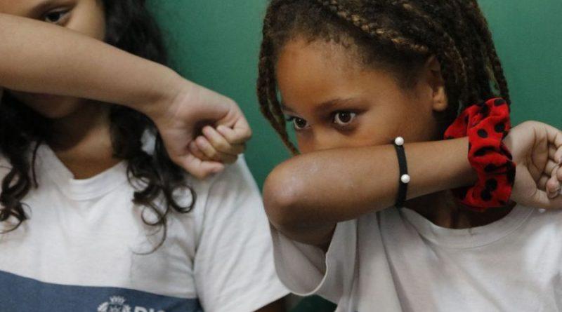 Crianças têm chances 44% menores de contrair Covid 19