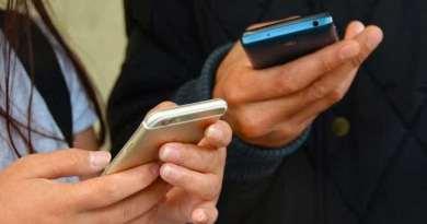 Venda de celular cai mais de 30% no 2º trimestre