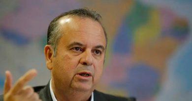 Bolsonaro rasga elogios a Marinho após crítica velada de Guedes