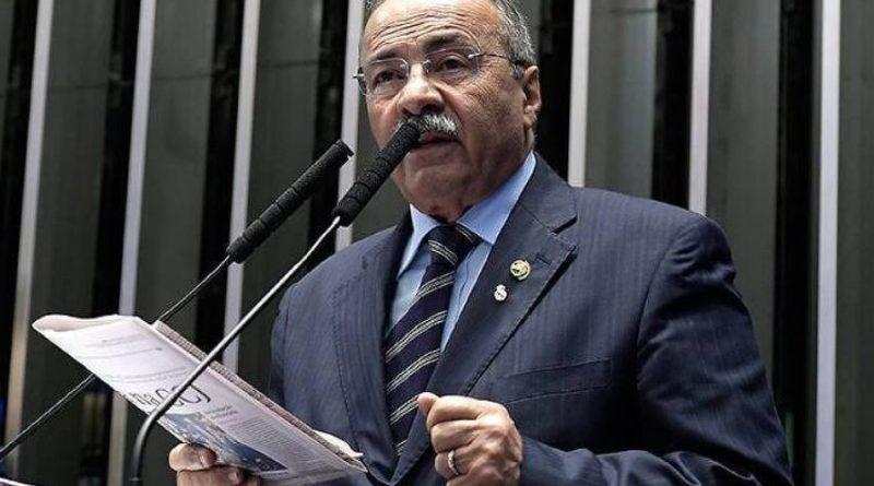 Senado reage a 'canetada' de Barroso e quer levar a conselho o caso da cueca